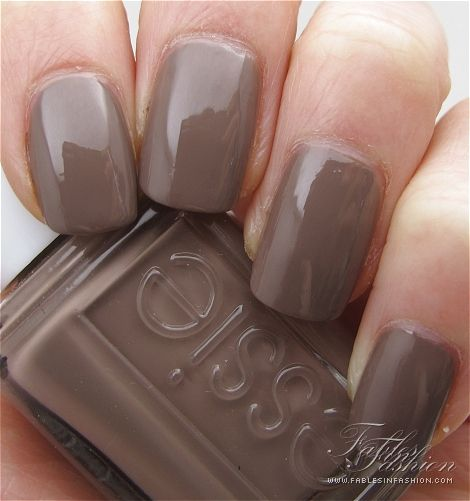 What Nail Color Is In: 20 Most Popular Essie Nail Polish Colors