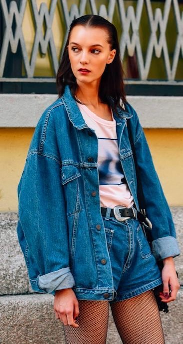 35 Cute 90s Outfits That Made A Huge Comeback!