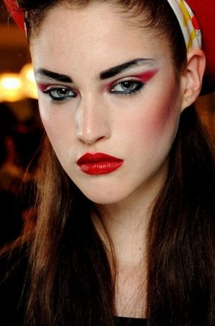 12 Gorgeous 80 S Inspired Makeup Looks 80 S Makeup Guide
