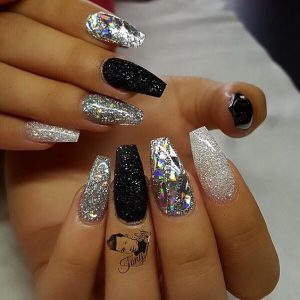 30 Beautiful Diamond Nail Art Designs Diamond Nails Inspiration