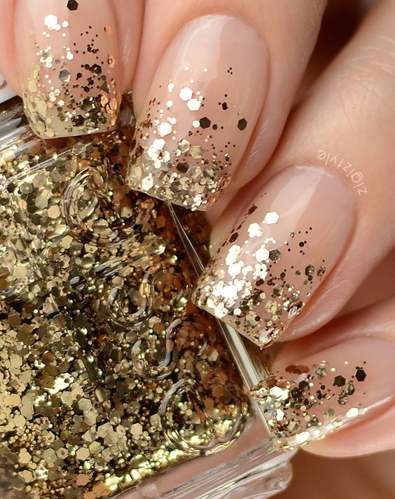 Gold nails 35 gold nail designs 6nude and gold chunky glitter nails prinsesfo Choice Image