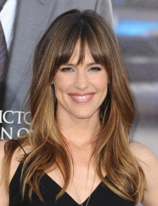 Jennifer Garner bangs hairstyle