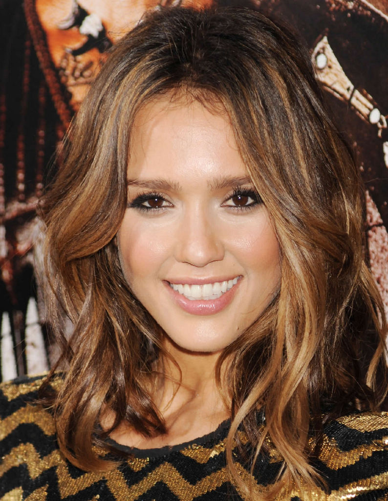 25 Chic Wavy Hairstyles You Must Try This Year