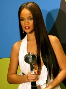 Rihanna long hairstle