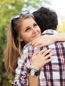 how to tell if a girl likes you body language