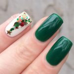 Christmas tree accent nails