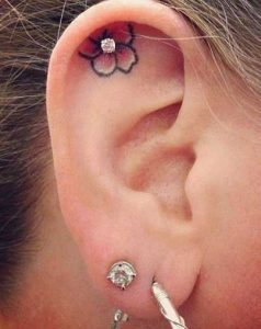 tattoo piercing