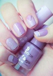 Lilac Geometric And Gold