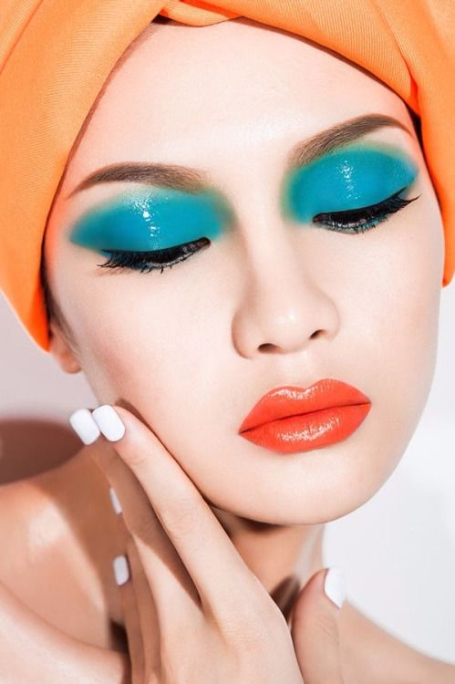 The 80s Fashion Trends That Are Back Today: 12 Gorgeous 80's Inspired Makeup Looks