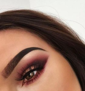 plum-makeup-brown-eyes