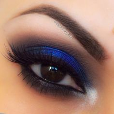 electric-blue-makeup