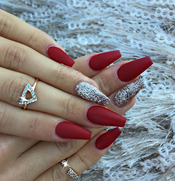 33Red And Silver Coffin Shaped Nails