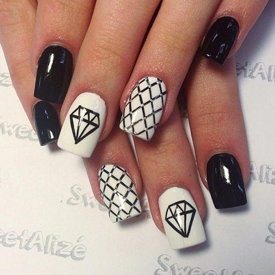 30 Beautiful Diamond Nail Art Designs Diamond Nails Inspiration