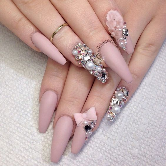 30 Beautiful Diamond Nail Art Designs | Diamond Nails Inspiration ...