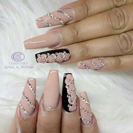 Although It Has A Very Romantic Vibe With The Pink Diamonds And Porcelain Flowers But Black Twist Also Bit More Edgy To