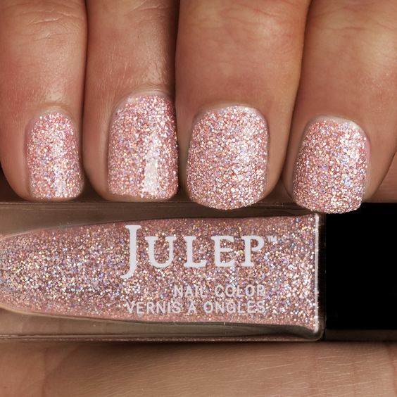 Shimmer And Sparkle Nail Polish: 30 Gorgeous Glitter Nails