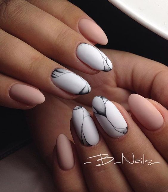 35 Absolutely Gorgeous Almond Shaped Nails - Part 8