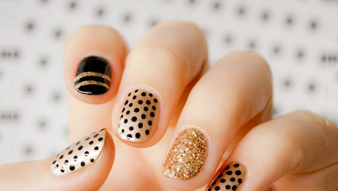gold nails designs