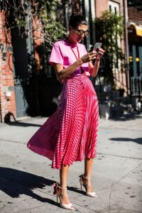 pink midi skirt outfit