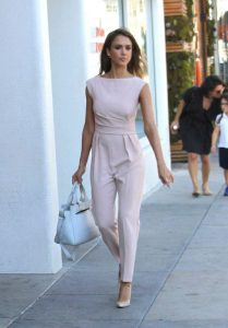 pastel outfit jessica alba