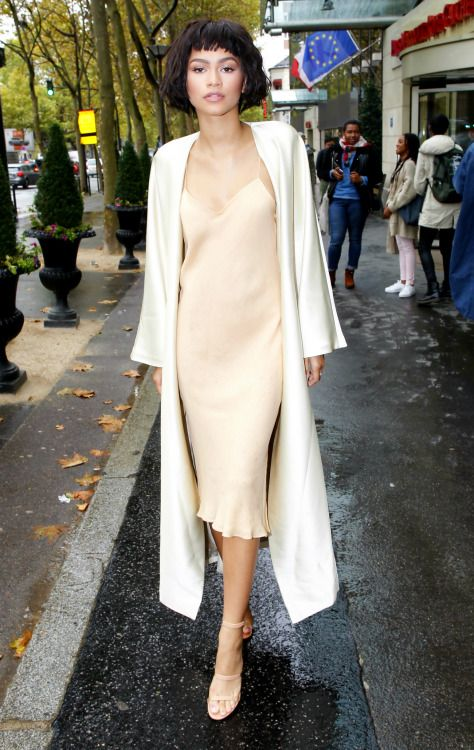 31 Celebrity Inspired Pastel Outfits