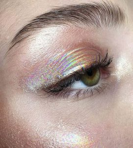 reflective summer makeup