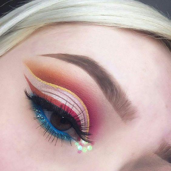 electric blue summer makeup