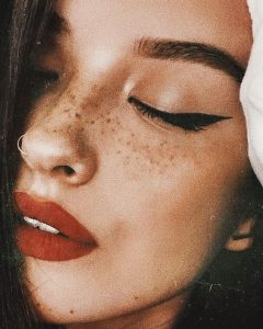 fall makeup freckles
