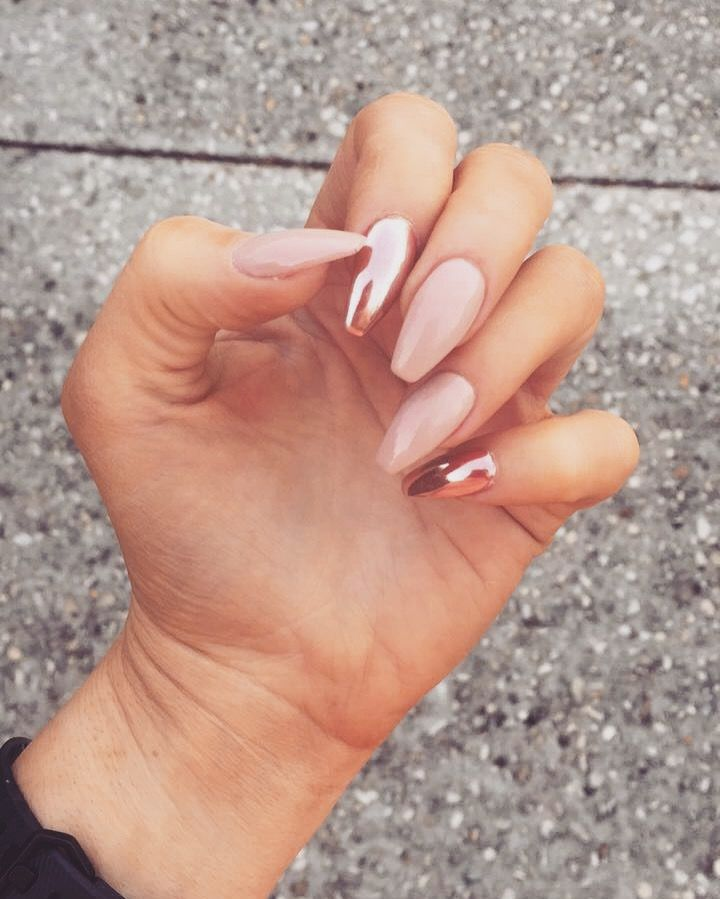 25 Shiny Chrome Nails | Mirror nail Designs - Part 26