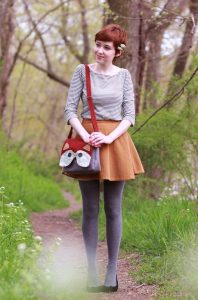 Spring-Inspired Style And Grey Leggings