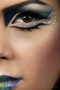 Cleopatra Makeup Using Crystals And Eyeliner Lashes