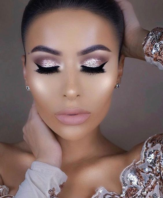 59d1c46a005 If there's ever an occasion for glitz and glamour it's prom night! Try a  glittery eyeshadow or cream instead of a matte one to get this sparkly  shine.