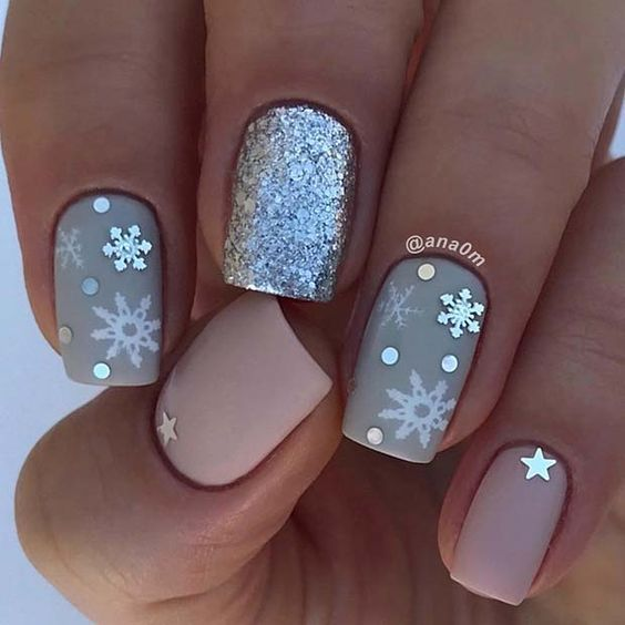 Christmas Acrylic Nails Grey: 25 Snowflake Nail Designs For Christmas Eve