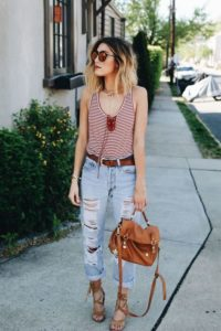 Boyfriend Jeans Outfit Easy Summer Style