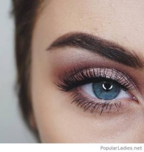 Rose Tones and Defined Lashes