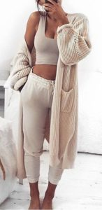 monochromatic beige sweatpants outfit