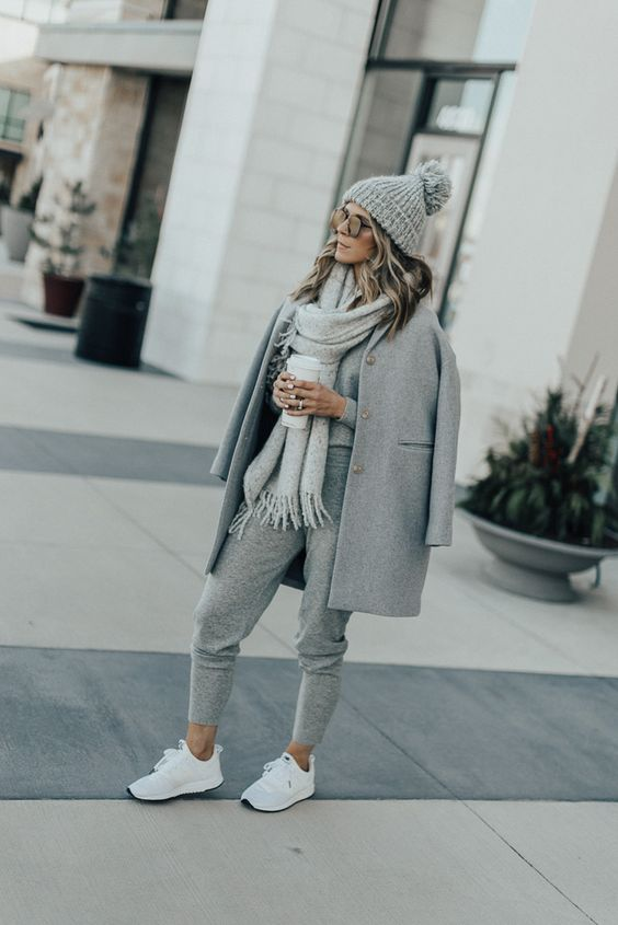 grey sweatpants outfit winter