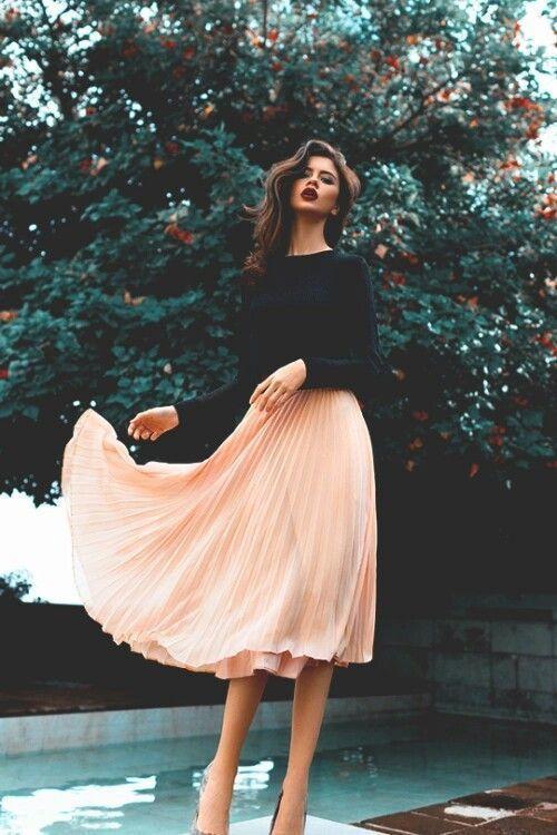minimal midi skirt outfit