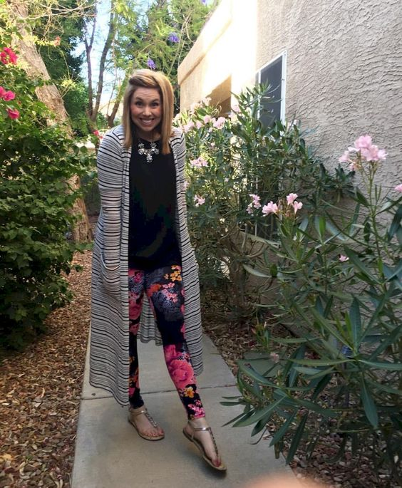 printed legging outfit
