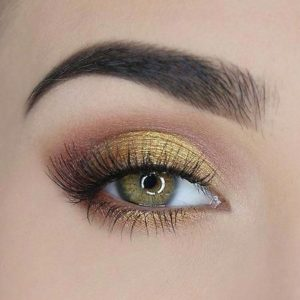 Metallic Mustard Smokey Eye