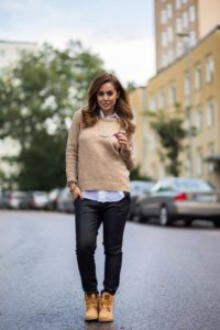sweater timberlands outfit