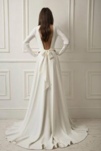 open back with bow