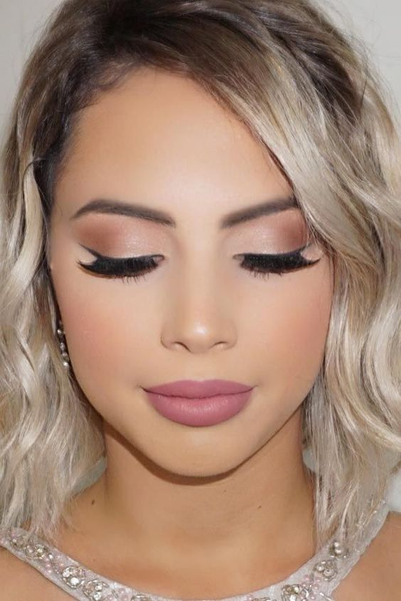 Flicked Liner and Red Lip