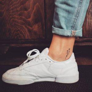simple-flower-tattoo