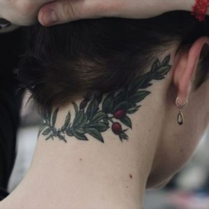 Wonderful-back-of-neck-tattoo