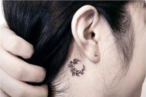 flower-moon-behind-the-ear-tattoo