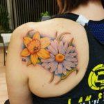 shoulder-daisy-flower-tattoo